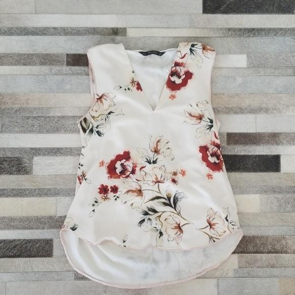 Zara Tops - ❤ Zara floral tank blouse